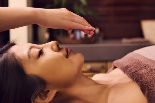 Pamper yourself and fall in love with savings | The ENTERTAINER Hong Kong